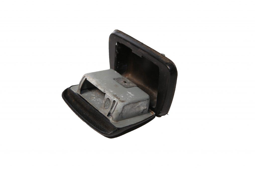 asbak cabrio achterpaneel 1303 gebruikt 1