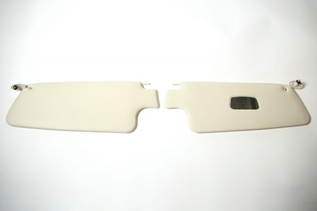 Zonnekleppen met spiegel kever cabrio 1303 vanaf 8e maand 1972 (1)